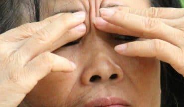 Bấm huyệt chữa đau đầu 3